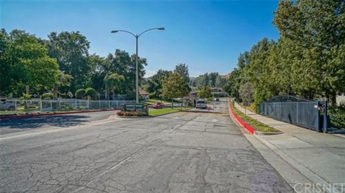 Tiny photo for 19036 Avenue Of The Oaks, Newhall, CA 91321 (MLS # SR20006631)