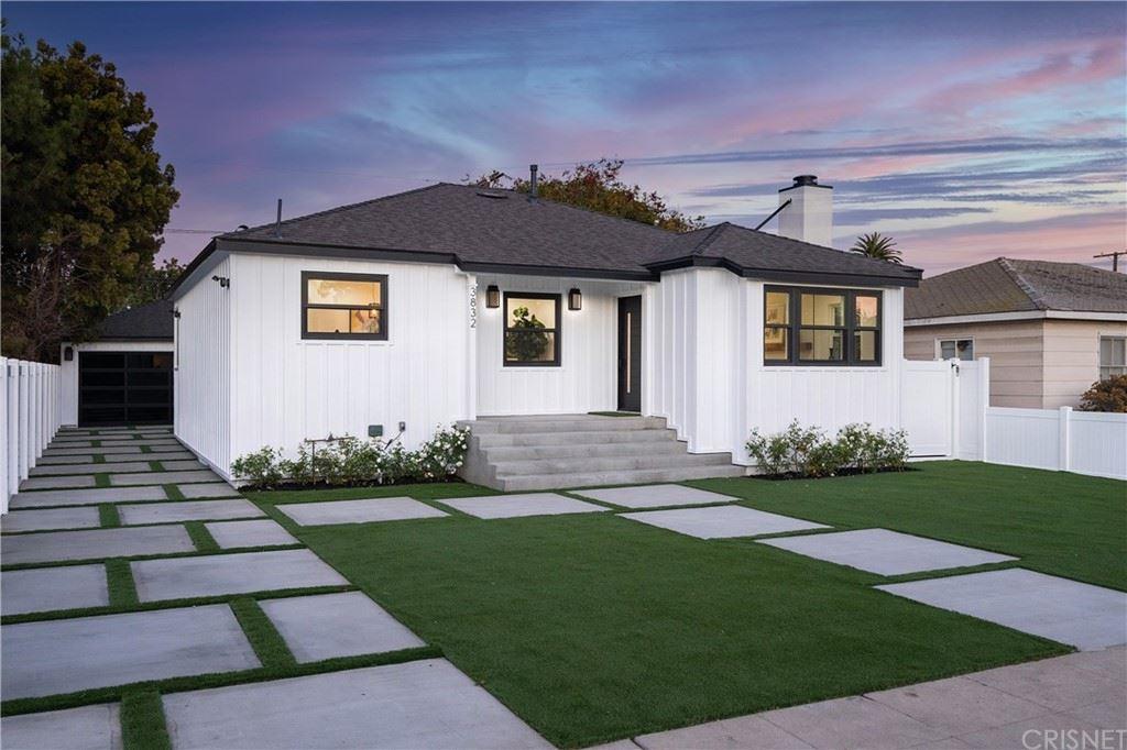 3832 Berryman Avenue, Los Angeles, CA 90066 - MLS#: SR21233631