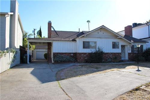 Photo of 12342 Sarah Street, Studio City, CA 91604 (MLS # SR20241633)