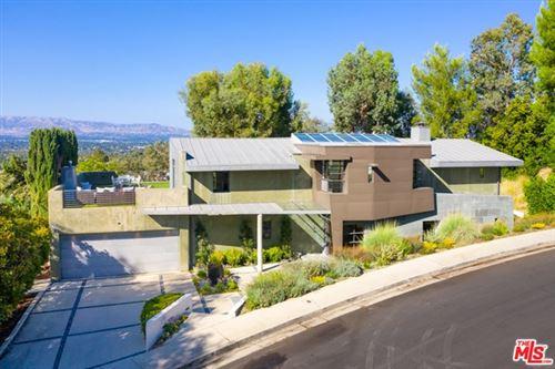 Photo of 4929 Calvin Avenue, Tarzana, CA 91356 (MLS # 20635634)