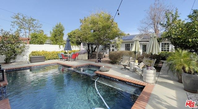 Photo of 4917 Forman Avenue, North Hollywood, CA 91601 (MLS # 21693634)