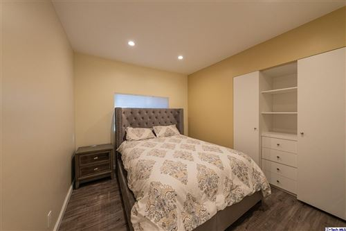 Tiny photo for 6854 Gentry Avenue, North Hollywood, CA 91605 (MLS # 320007635)