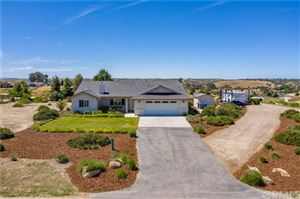 Photo of 5696 Reindeer Place, Paso Robles, CA 93446 (MLS # NS19135635)