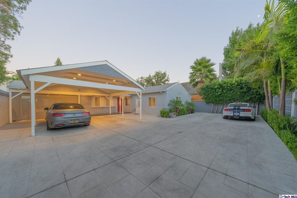 Photo for 6854 Gentry Avenue, North Hollywood, CA 91605 (MLS # 320007635)