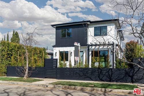 Photo of 3560 Redwood Avenue, Los Angeles, CA 90066 (MLS # 21689636)