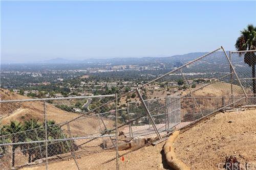 Photo of 154 Dapplegray Road, Bell Canyon, CA 91307 (MLS # SR20137637)