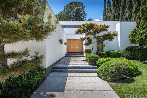 Photo of 3843 Longridge Avenue, Sherman Oaks, CA 91423 (MLS # SR21091637)