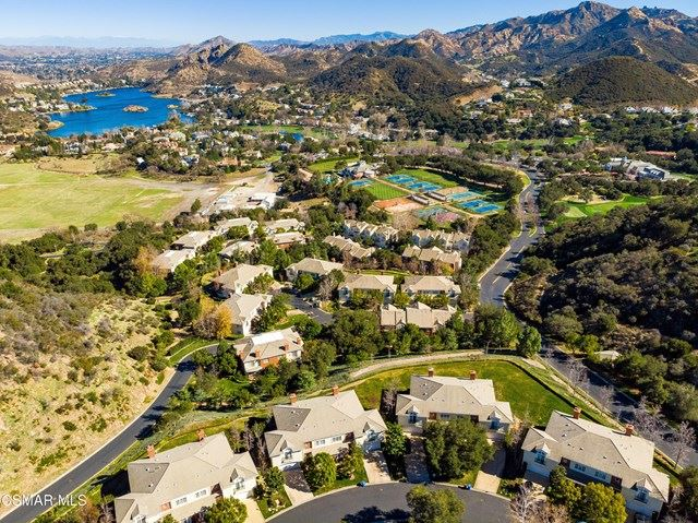Photo of 2374 Crombie Court, Thousand Oaks, CA 91361 (MLS # 221000638)