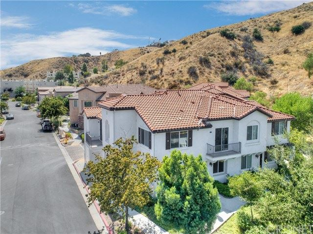 Photo for 27967 Avalon Drive, Canyon Country, CA 91351 (MLS # SR19195638)