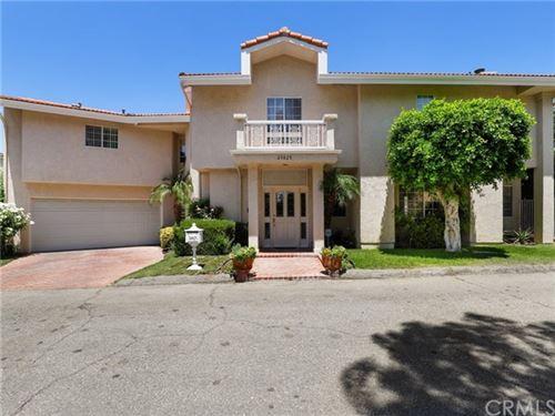 Photo of 23825 Bella Vista Drive, Newhall, CA 91321 (MLS # BB20140639)