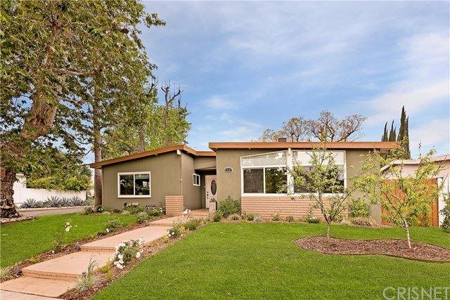 Photo of 5701 Aldea Avenue, Encino, CA 91316 (MLS # SR21080639)