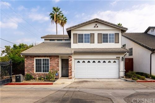 Photo of 14500 Day Lily Lane, Panorama City, CA 91402 (MLS # SR20224640)