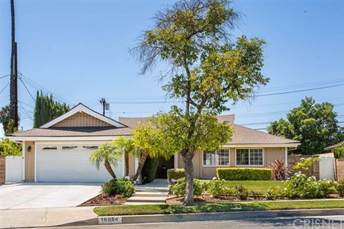 Photo of 16954 Ballinger Street, Northridge, CA 91343 (MLS # SR20149641)