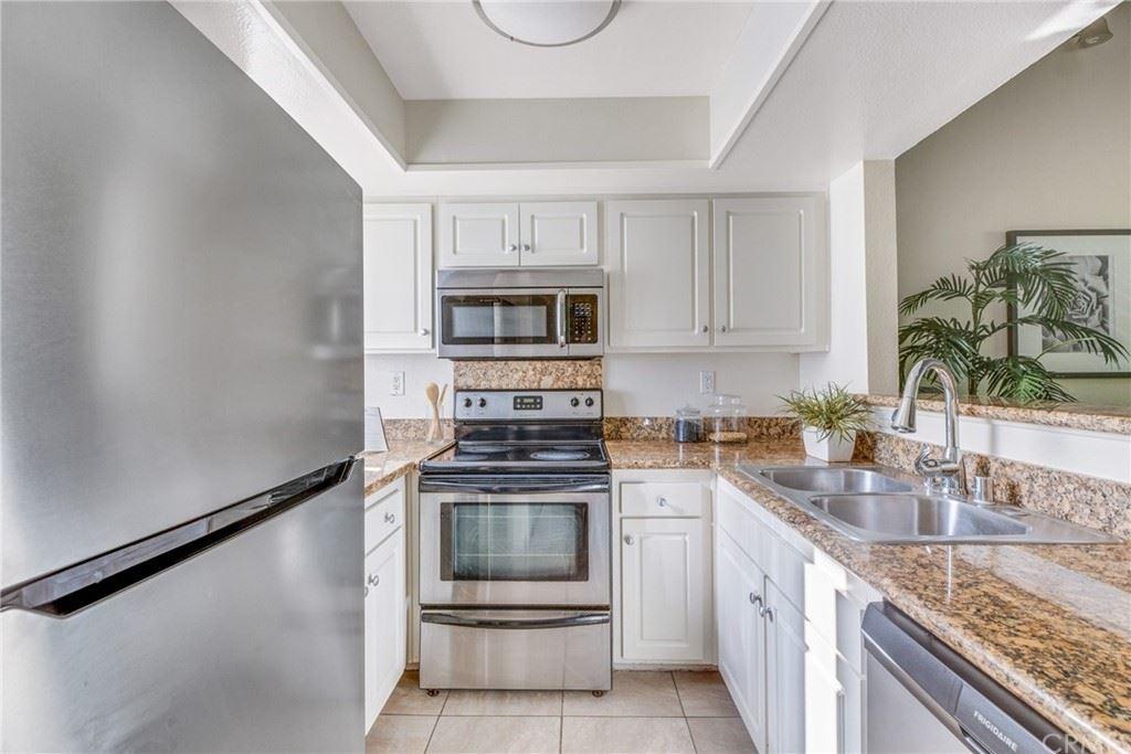 64 N Mar Vista Avenue #206, Pasadena, CA 91106 - #: AR21184641