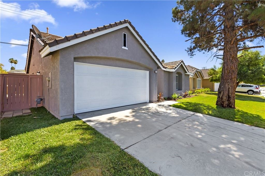 Photo for 820 Augusta Street, Hemet, CA 92545 (MLS # IV21203641)