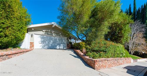 Photo of 22247 Del Valle Street, Woodland Hills, CA 91364 (MLS # 221005643)