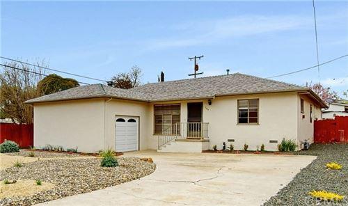 Photo of 709 Tucker Avenue, Paso Robles, CA 93446 (MLS # SC20057643)