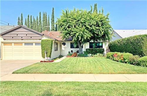 Photo of 6135 Wilkinson Avenue, Valley Glen, CA 91606 (MLS # SR21155643)