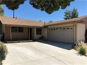 Photo of 28040 Langside Avenue, Canyon Country, CA 91351 (MLS # SR19220645)