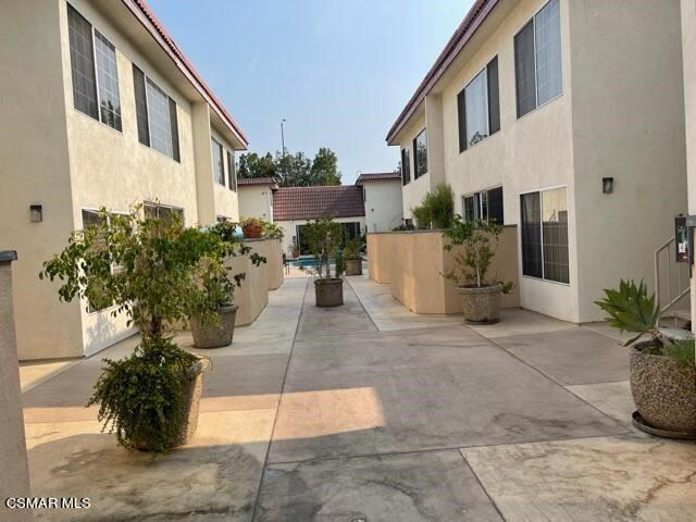 Photo for 18640 Collins Street #110, Tarzana, CA 91356 (MLS # 221004645)