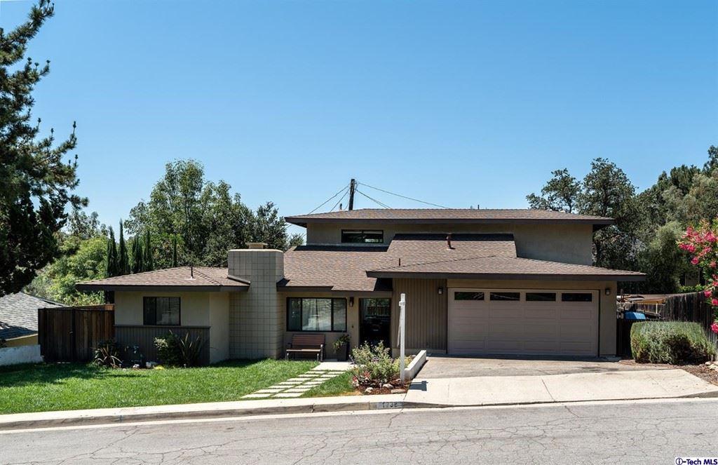 Photo of 1738 La Barranca Road, La Canada Flintridge, CA 91011 (MLS # 320006645)