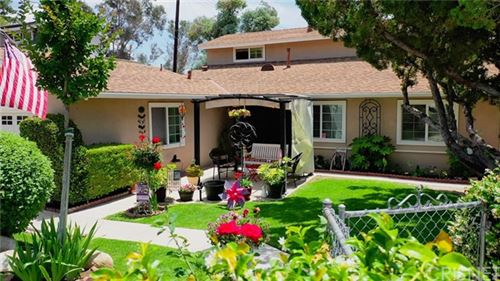 Photo of 17822 Stillmore Street, Canyon Country, CA 91387 (MLS # SR20105646)