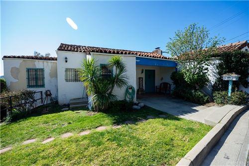 Photo of 1015 Via Carmelita, Burbank, CA 91501 (MLS # SR21235646)