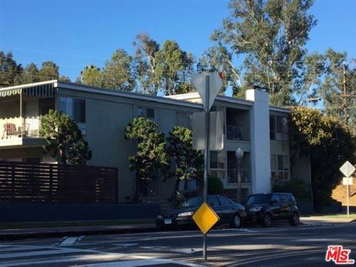 Photo of 3192 QUEENSBURY Drive, Los Angeles, CA 90064 (MLS # 20592648)