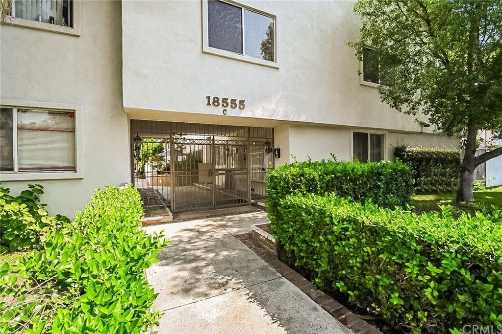 Photo for 18555 Collins Street #C11, Tarzana, CA 91356 (MLS # OC21155648)