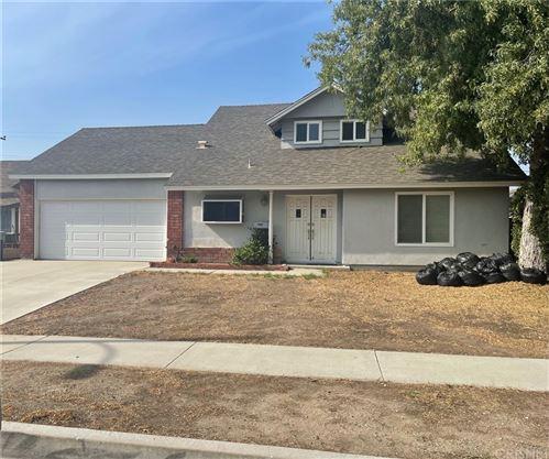 Photo of 21115 Kingscrest Drive, Saugus, CA 91350 (MLS # SR21227649)