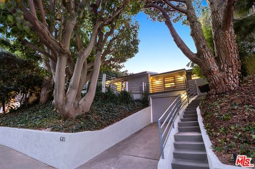 Photo of 683 N Palmera Avenue, Pacific Palisades, CA 90272 (MLS # 21681650)