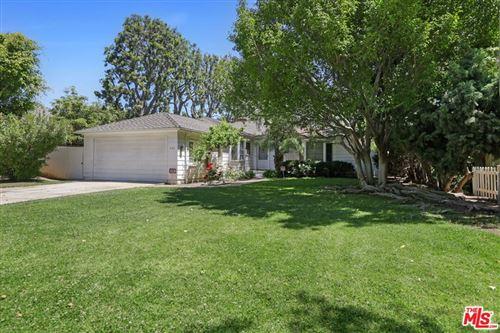 Photo of 530 Avondale Avenue, Los Angeles, CA 90049 (MLS # 21727650)