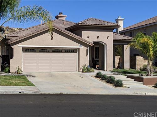 Photo of 28518 High Ridge Drive, Saugus, CA 91390 (MLS # SR20130650)