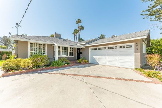 Photo of 4913 Bluebell Avenue, Valley Village, CA 91607 (MLS # 221001650)