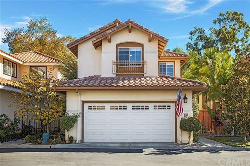 Photo of 33 Via Caseta, Rancho Santa Margarita, CA 92688 (MLS # OC20235651)