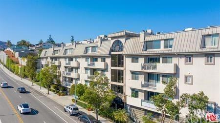 Photo of 390 S Sepulveda Boulevard #308, Los Angeles, CA 90049 (MLS # SR20226651)
