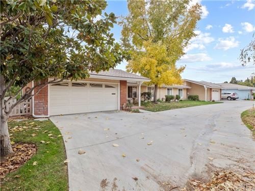 Photo of 26469 Fairway Circle, Newhall, CA 91321 (MLS # SR20245651)