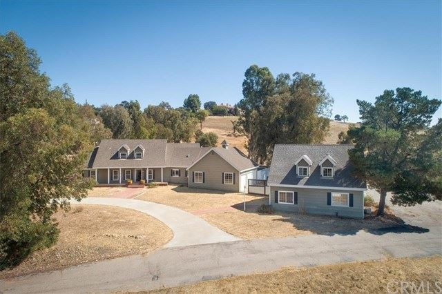 Photo of 1360 Spanish Camp Road, Paso Robles, CA 93446 (MLS # SP19220651)
