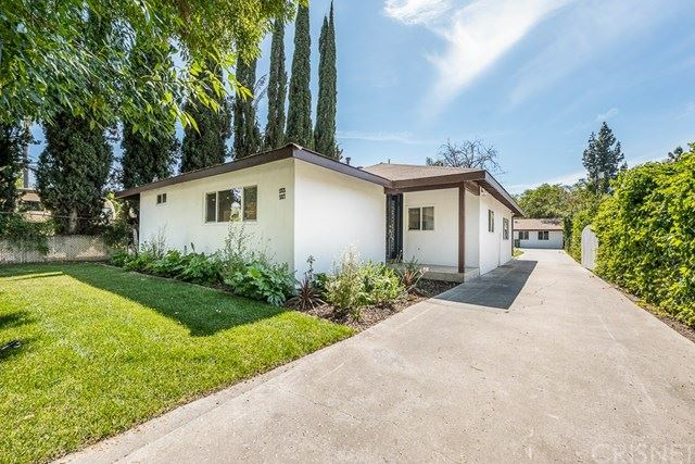 Photo for 5925 Topeka Drive, Tarzana, CA 91356 (MLS # SR20228651)