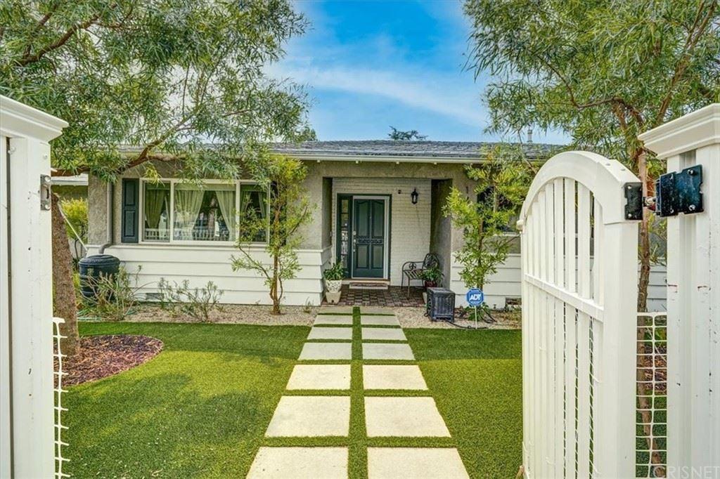 Photo of 14606 Margate Street, Sherman Oaks, CA 91411 (MLS # SR21211651)