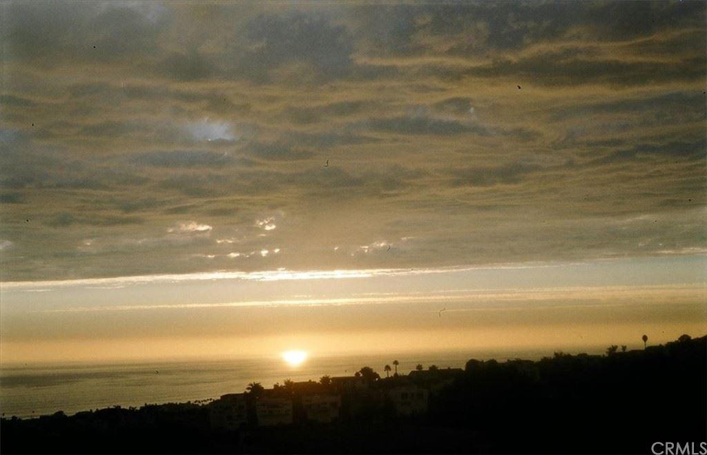 Photo for 617 Avenida Acapulco, San Clemente, CA 92672 (MLS # OC21187653)