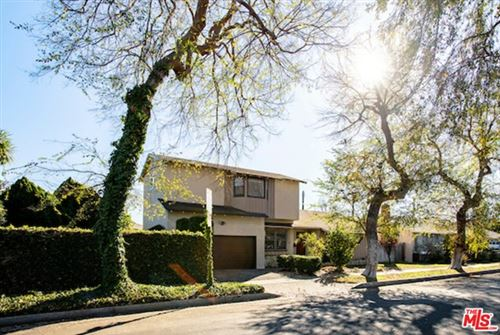 Photo of 1062 Indiana Avenue, Venice, CA 90291 (MLS # 21678654)