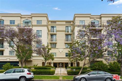 Photo of 430 N Oakhurst Drive #204, Beverly Hills, CA 90210 (MLS # 21746654)