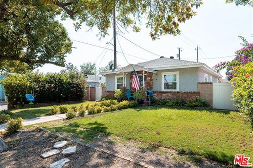 Photo of 813 N Parish Place, Burbank, CA 91506 (MLS # 21788654)