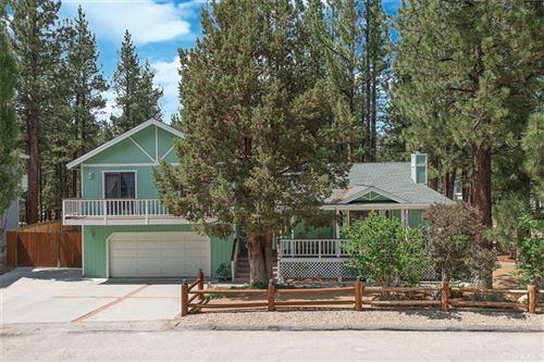 Photo of 427 Eton Lane, Big Bear, CA 92314 (MLS # EV21164654)