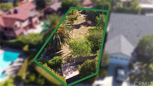 Photo of 316 S Reese Place S, Burbank, CA 91506 (MLS # SB21089656)