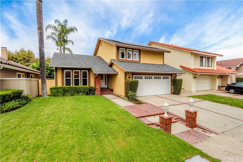 Photo of 24416 Calle Torcido, Lake Forest, CA 92630 (MLS # LG21208656)
