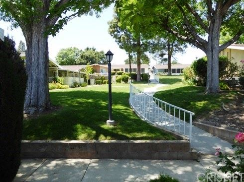 Photo of 19146 Avenue Of The Oaks #A, Newhall, CA 91321 (MLS # SR20103657)