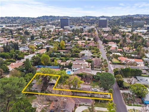 Photo of 5060 Gloria Avenue, Encino, CA 91436 (MLS # SR20193657)
