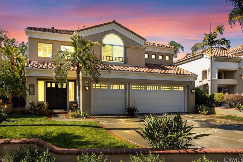 Photo of 4 Bell Vista, Lake Forest, CA 92610 (MLS # OC21221657)